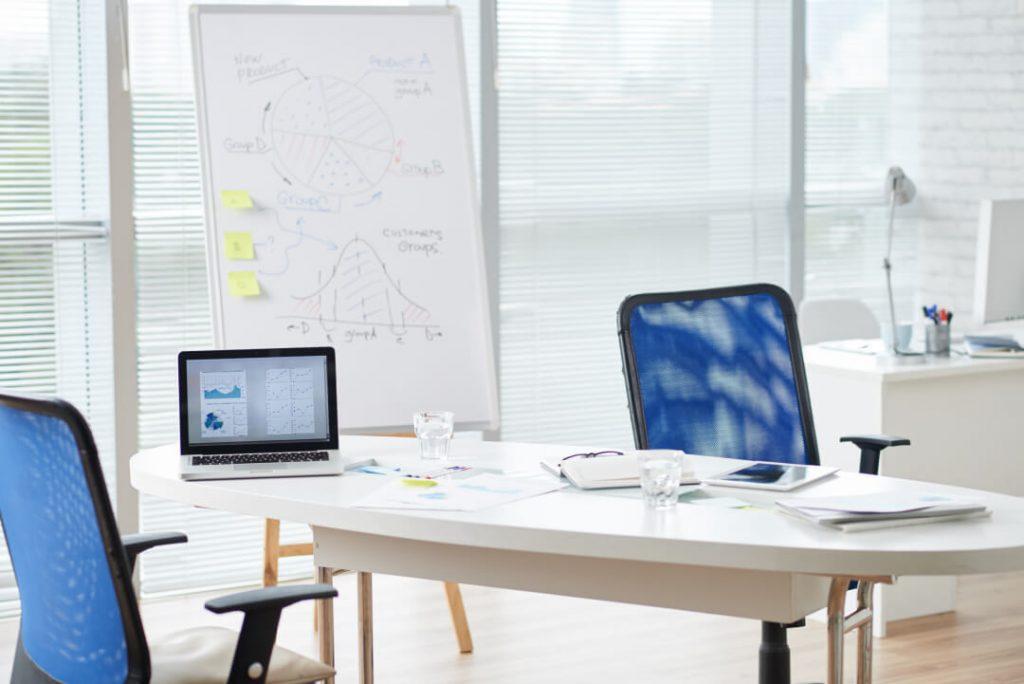 Un ufficio moderno di un'azienda