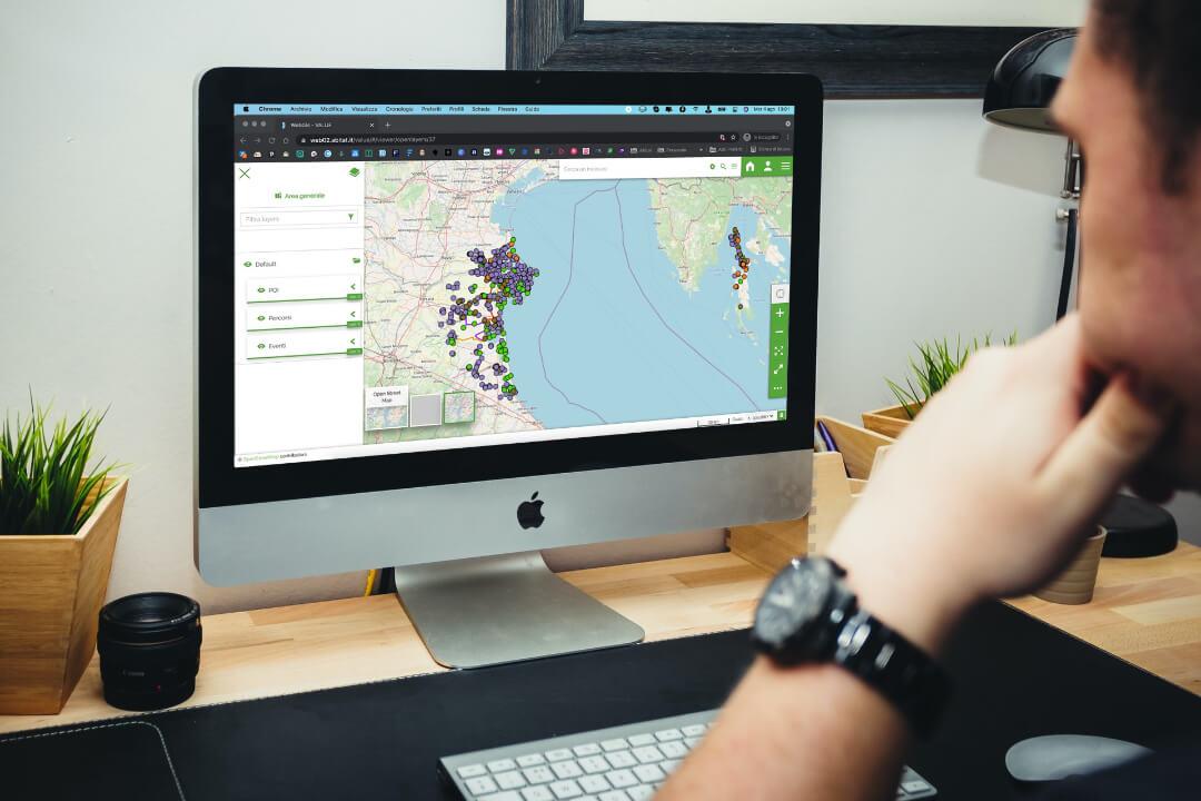 Una Piattaforma Web e una Web Application per la valorizzazione dei distretti italo-croati
